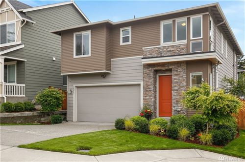 Photo of 10215 SE 217th St, Kent, WA 98031 (MLS # 1606488)