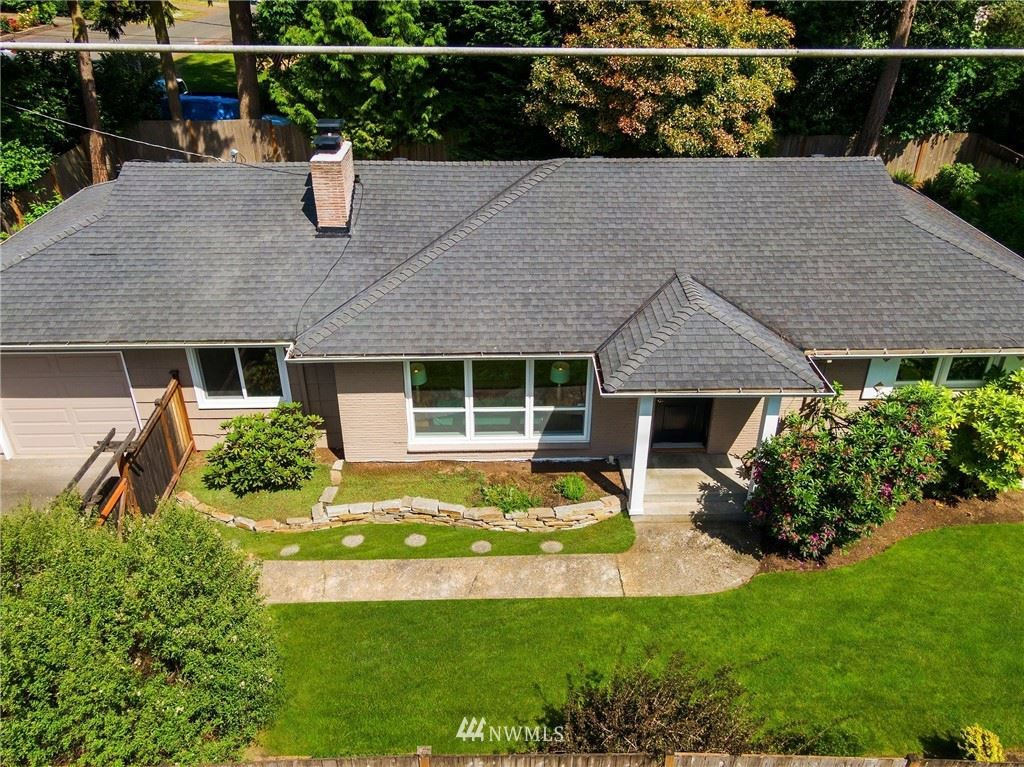 Photo of 13054 30th Avenue NE, Seattle, WA 98125 (MLS # 1782488)