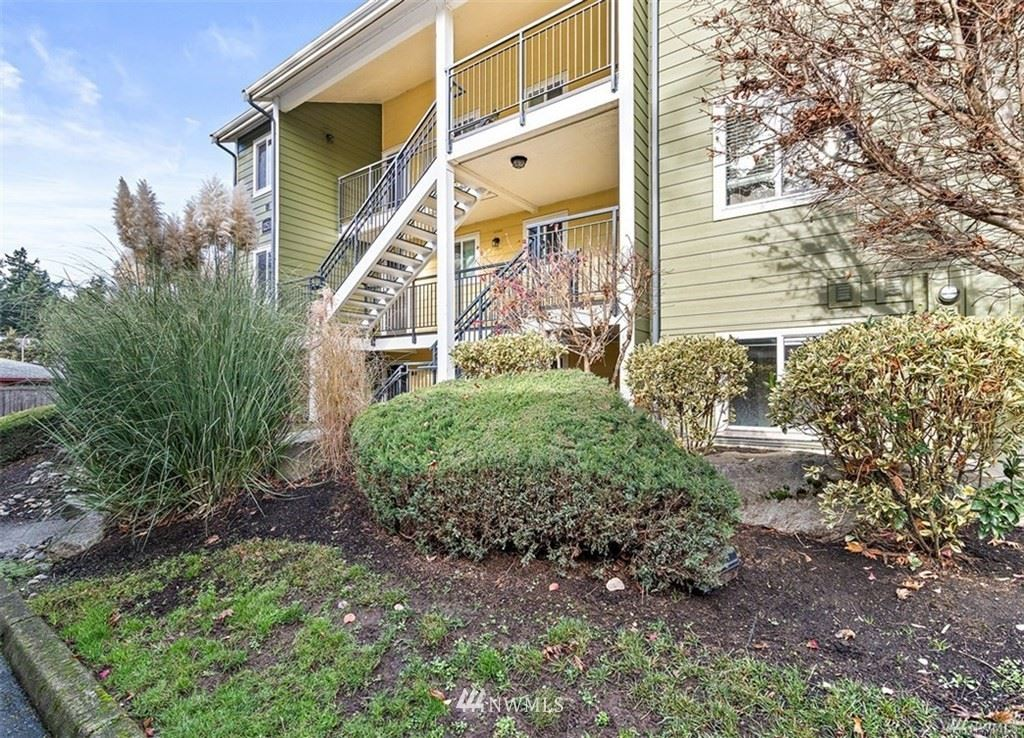 Photo of 12511 SE 41st PL #A102, Bellevue, WA 98006 (MLS # 1730489)