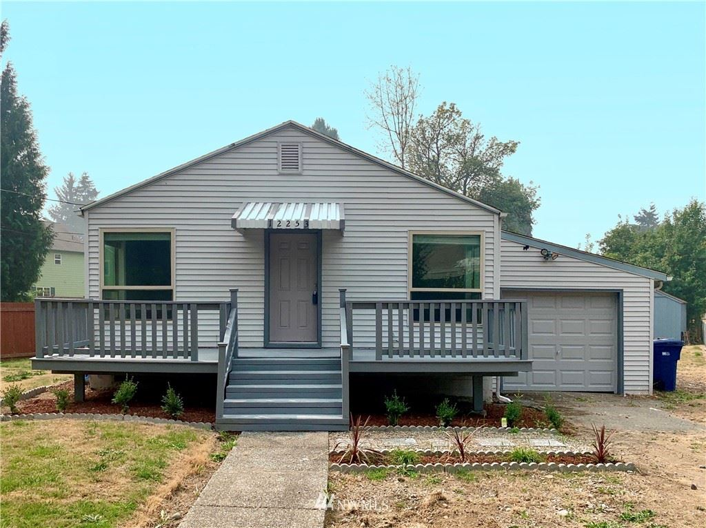 Photo of 12253 51st Place S, Tukwila, WA 98178 (MLS # 1661491)