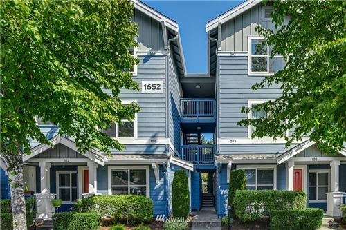Photo of 1652 25th Place NE #302, Issaquah, WA 98029 (MLS # 1660492)