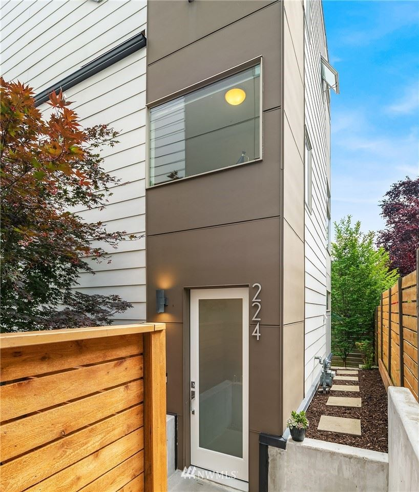 Photo of 224 27th Avenue E, Seattle, WA 98112 (MLS # 1791493)