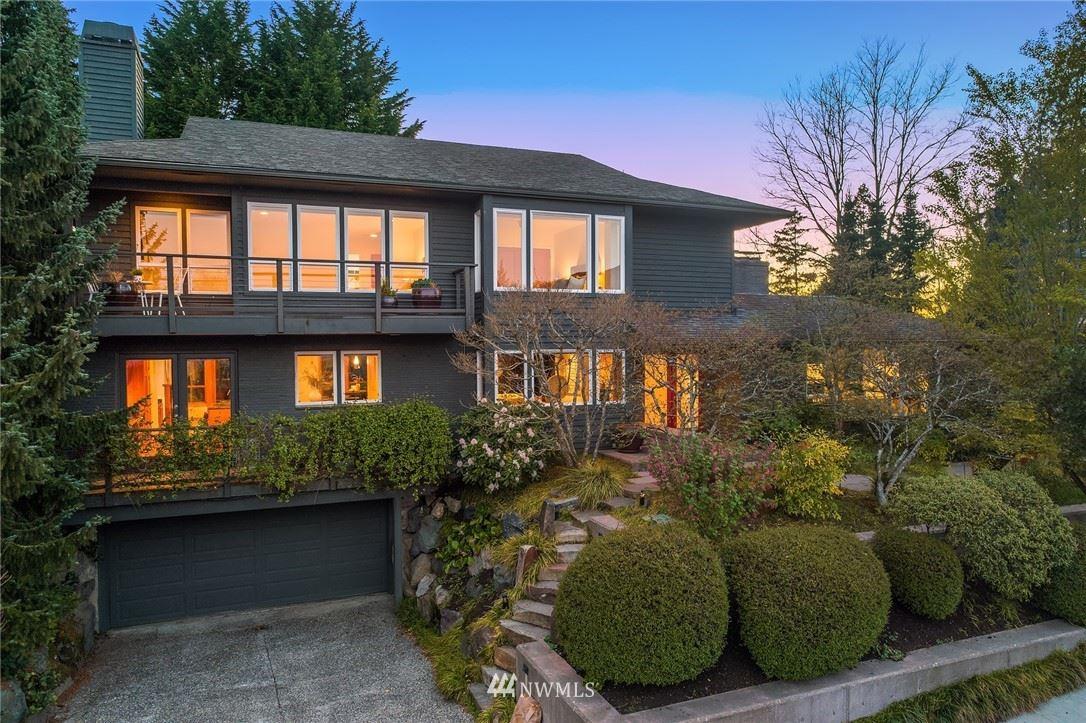 Photo of 3151 E Laurelhurst Drive NE, Seattle, WA 98105 (MLS # 1755494)