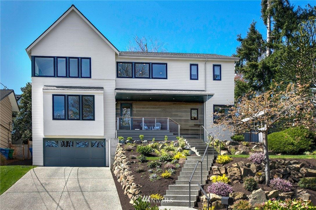 Photo of 6209 52nd Avenue NE, Seattle, WA 98115 (MLS # 1755497)