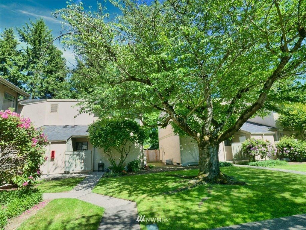 Photo of 10052 NE 138th Place #H1, Kirkland, WA 98034 (MLS # 1785497)