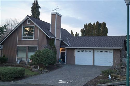 Photo of 15902 SE 172nd Place, Renton, WA 98058 (MLS # 1717498)