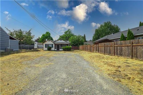 Photo of 3318 S Proctor, Tacoma, WA 98409 (MLS # 1818499)