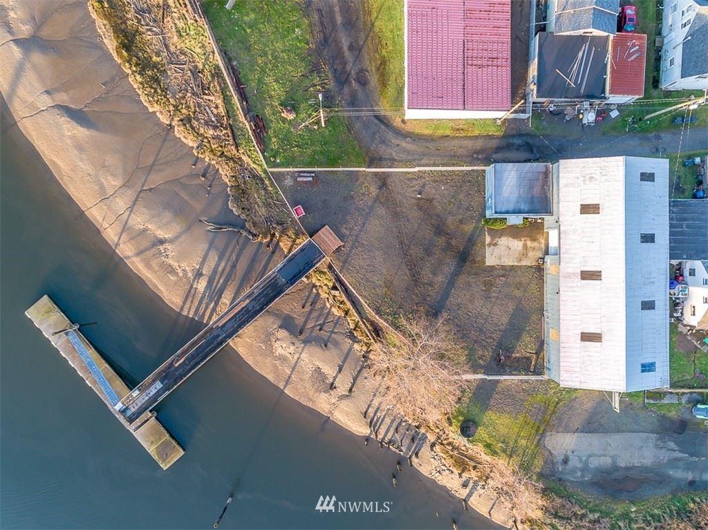 Photo of 1305 Riverside, Hoquiam, WA 98550 (MLS # 1560504)