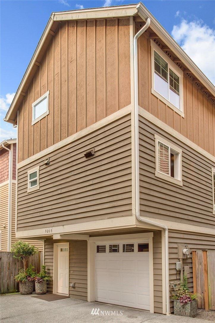 Photo of 9205 Interlake Avenue N, Seattle, WA 98103 (MLS # 1671504)
