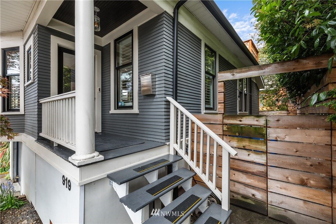Photo of 919 Taylor Avenue N, Seattle, WA 98109 (MLS # 1781507)