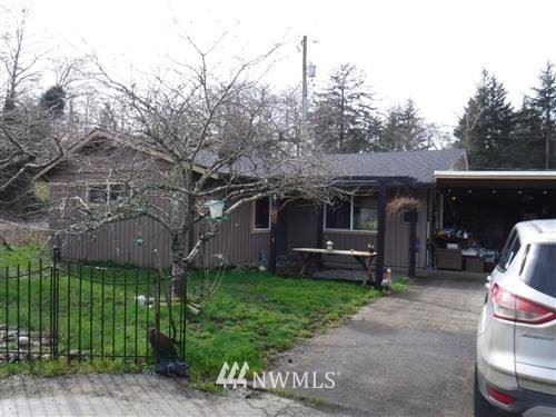 Photo of 2 Third St. W, Chinook, WA 98614 (MLS # 1831508)