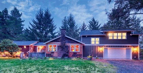 Photo of 3119 K Place, Seaview, WA 98644 (MLS # 1568509)