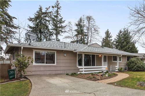 Photo of 2781 SW 331st Street, Federal Way, WA 98023 (MLS # 1736510)
