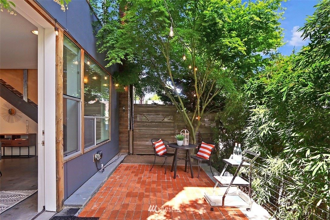 Photo of 208 18th Avenue E #B, Seattle, WA 98112 (MLS # 1777511)