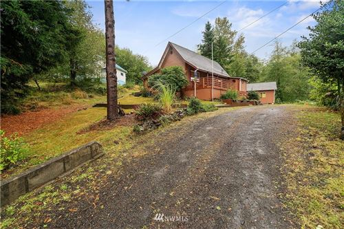 Photo of 636 Water Street, South Bend, WA 98586 (MLS # 1668512)