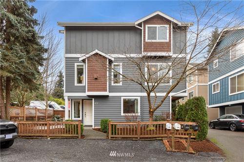 Photo of 1231 NE 124th Street, Seattle, WA 98125 (MLS # 1719512)