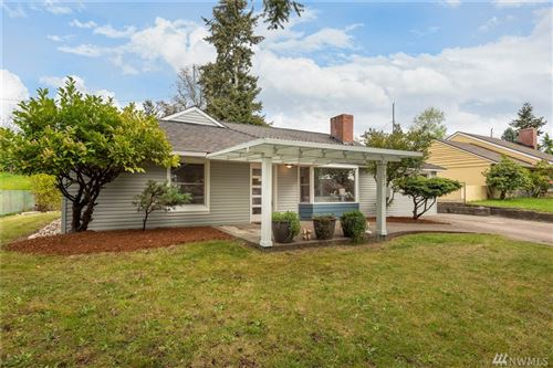 Photo of 17054 3rd Ave NE, Shoreline, WA 98155 (MLS # 1595514)