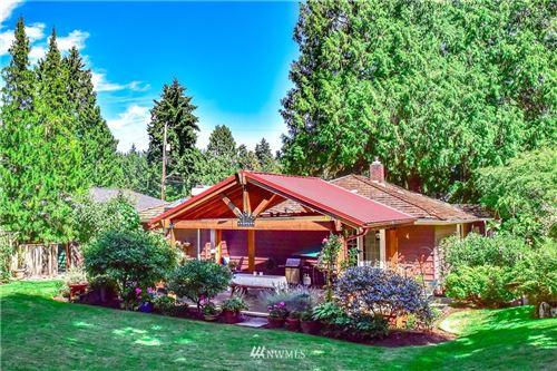 Photo of 9203 Matthews Avenue NE, Seattle, WA 98115 (MLS # 1677515)