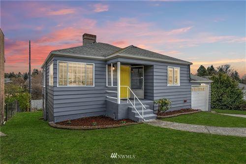 Photo of 10256 32nd Avenue SW, Seattle, WA 98146 (MLS # 1745515)