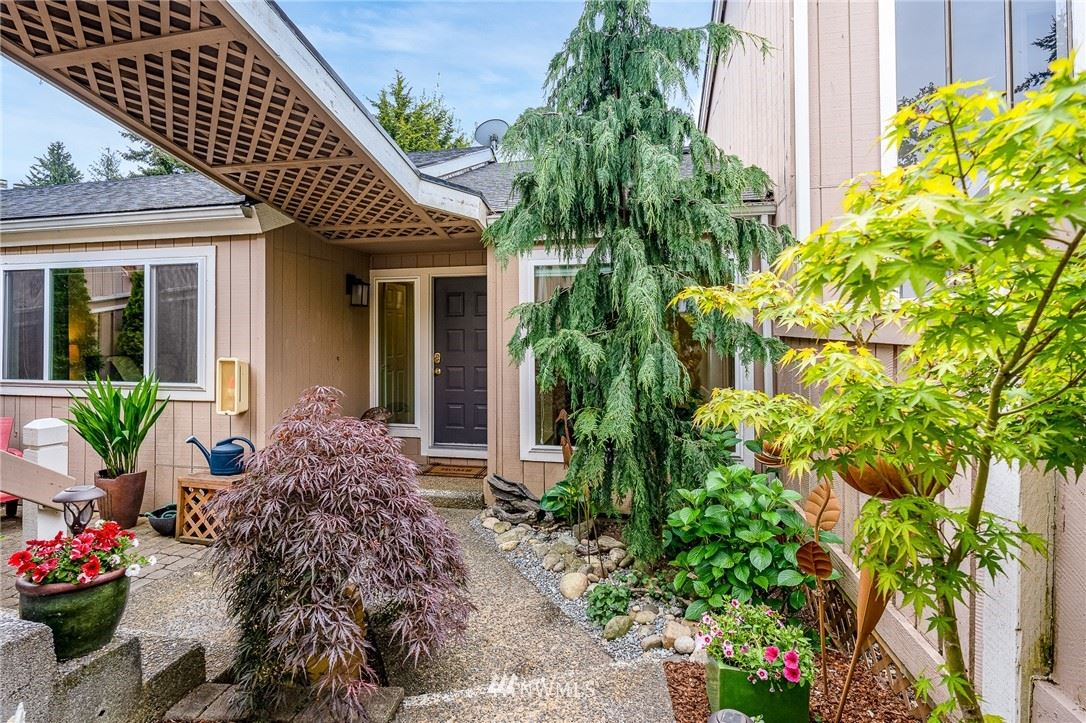 Photo of 3213 SW 319th Place #19, Federal Way, WA 98023 (MLS # 1779517)