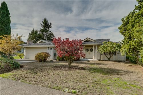 Photo of 901 144th Place SE, Bellevue, WA 98007 (MLS # 1854519)