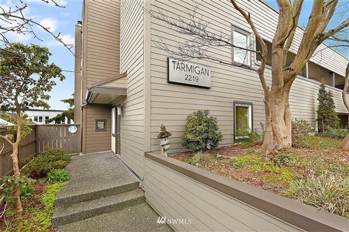 Photo of 2219 14th Avenue W #402, Seattle, WA 98119 (MLS # 1732522)