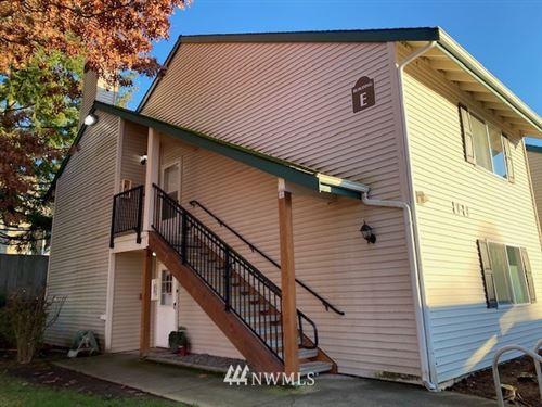 Photo of 4231 NE 5th Street #E201, Renton, WA 98059 (MLS # 1720527)