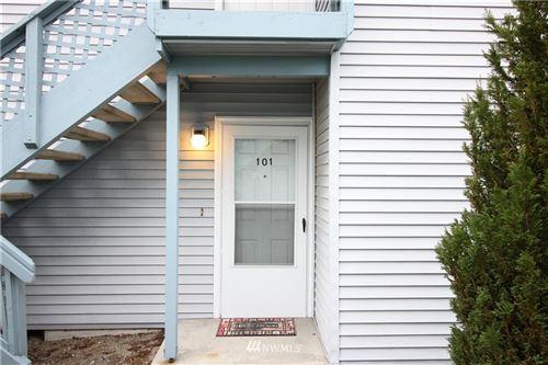 Photo of 730 SE 8th Avenue #B101, Oak Harbor, WA 98277 (MLS # 1840535)