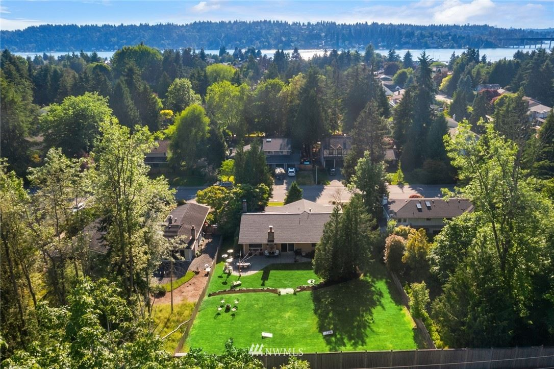 Photo of 12 Lopez Key, Bellevue, WA 98006 (MLS # 1786538)
