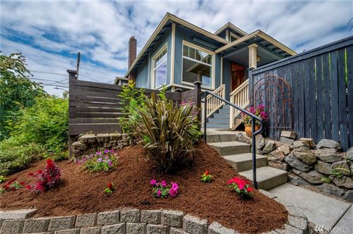 Photo of 1008 W Crockett St, Seattle, WA 98119 (MLS # 1624542)