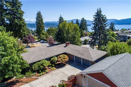Photo of 17127 NE 8th Place, Bellevue, WA 98008 (MLS # 1635544)