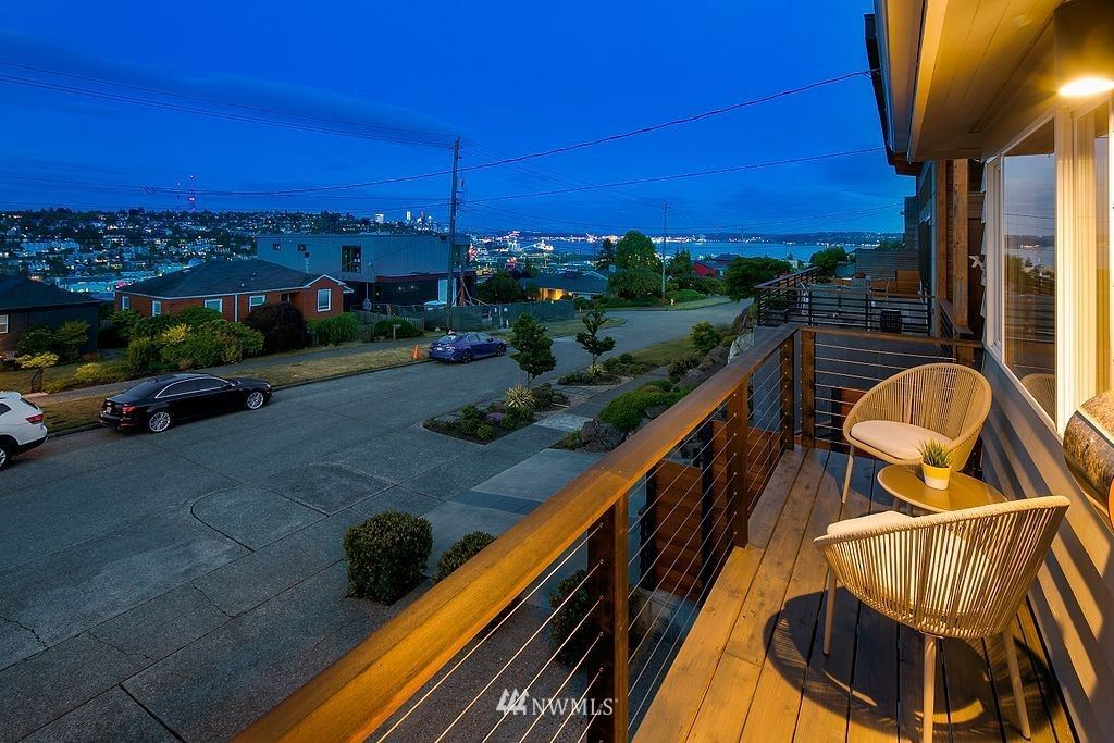 Photo of 2565 25th Avenue W, Seattle, WA 98199 (MLS # 1793548)