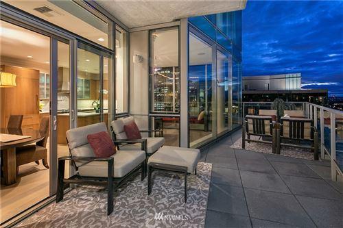 Photo of 10650 NE 9th Place #2424, Bellevue, WA 98004 (MLS # 1667551)