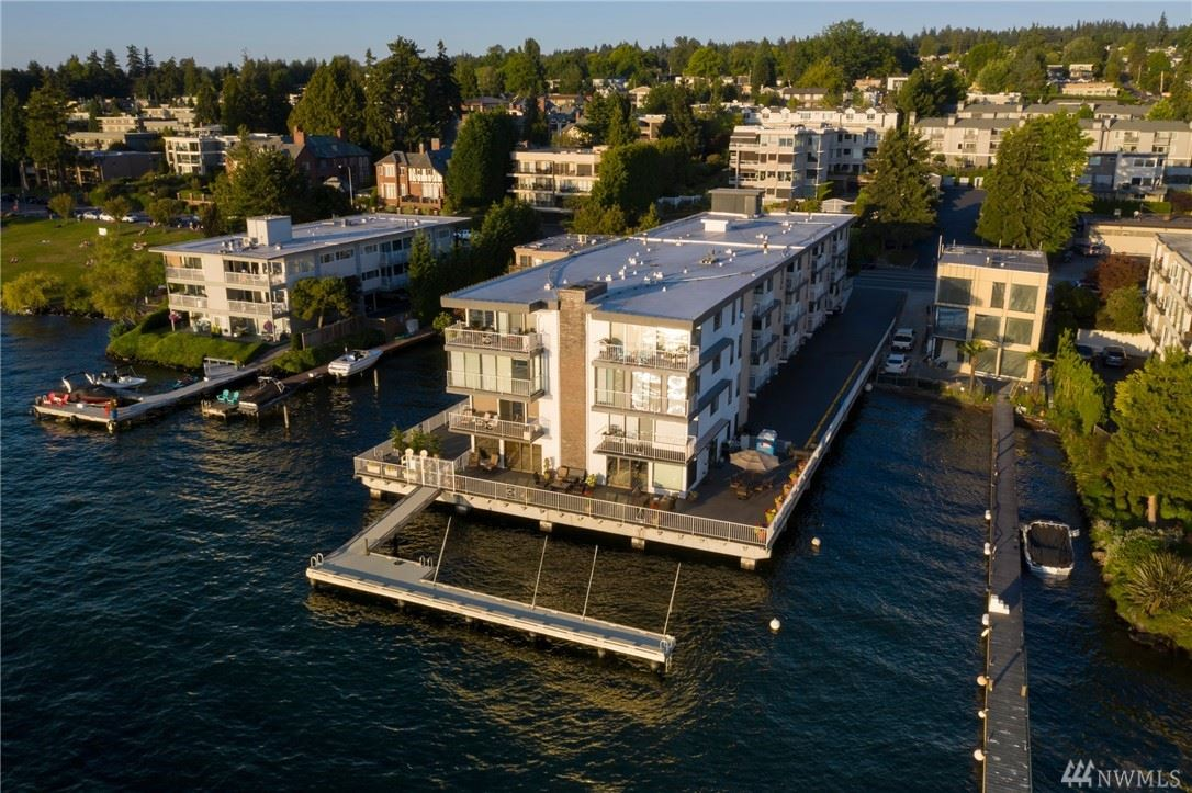 Photo of 6421 Lake Washington Blvd NE #203, Kirkland, WA 98033 (MLS # 1640553)
