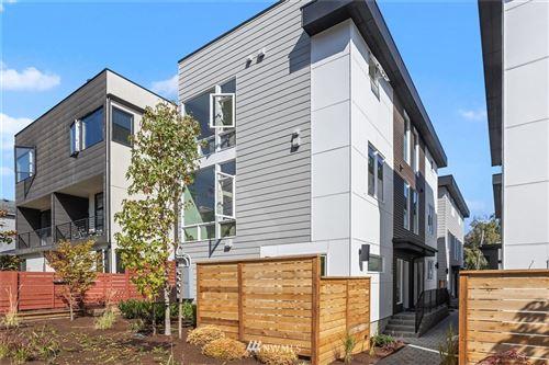 Photo of 128 W Florentia Street, Seattle, WA 98119 (MLS # 1681555)