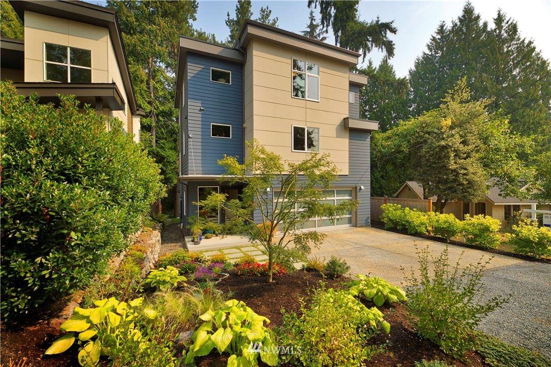 Photo of 3212 NE 117th Street, Seattle, WA 98125 (MLS # 1660556)