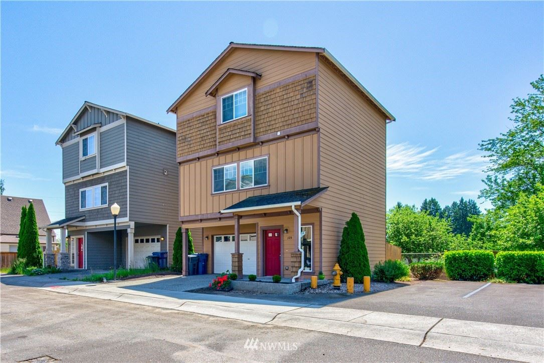 Photo of 1256 Ash Avenue #105, Marysville, WA 98270 (MLS # 1784556)
