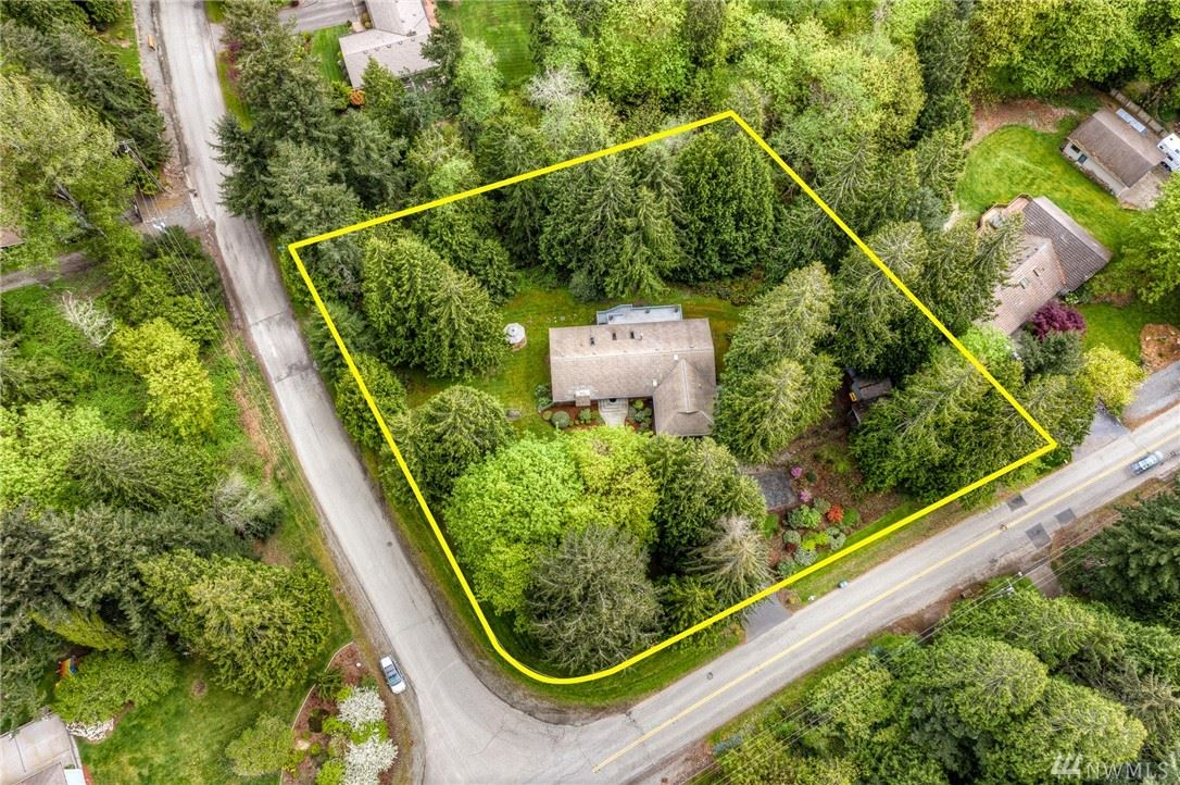 Photo of 12312 206th Place SE, Issaquah, WA 98027 (MLS # 1596557)