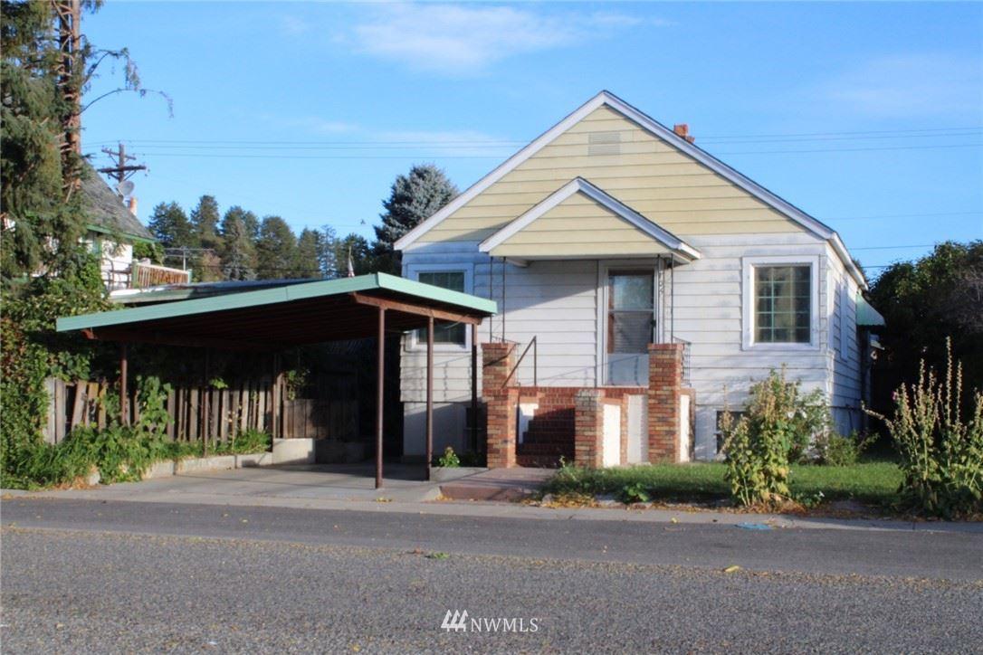 105 E Bartlett Avenue, Omak, WA 98841 - MLS#: 1846561