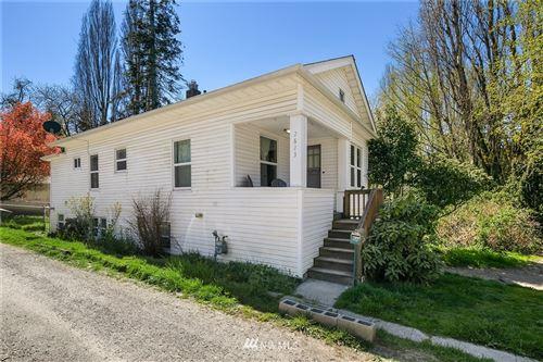 Photo of 2623 SW YANCY Street, Seattle, WA 98126 (MLS # 1756562)