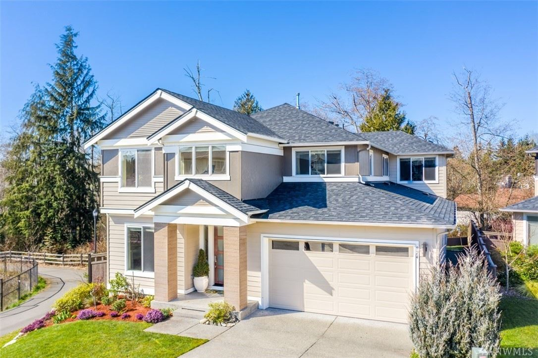 Photo for 924 SW 315th Place, Federal Way, WA 98023 (MLS # 1578563)