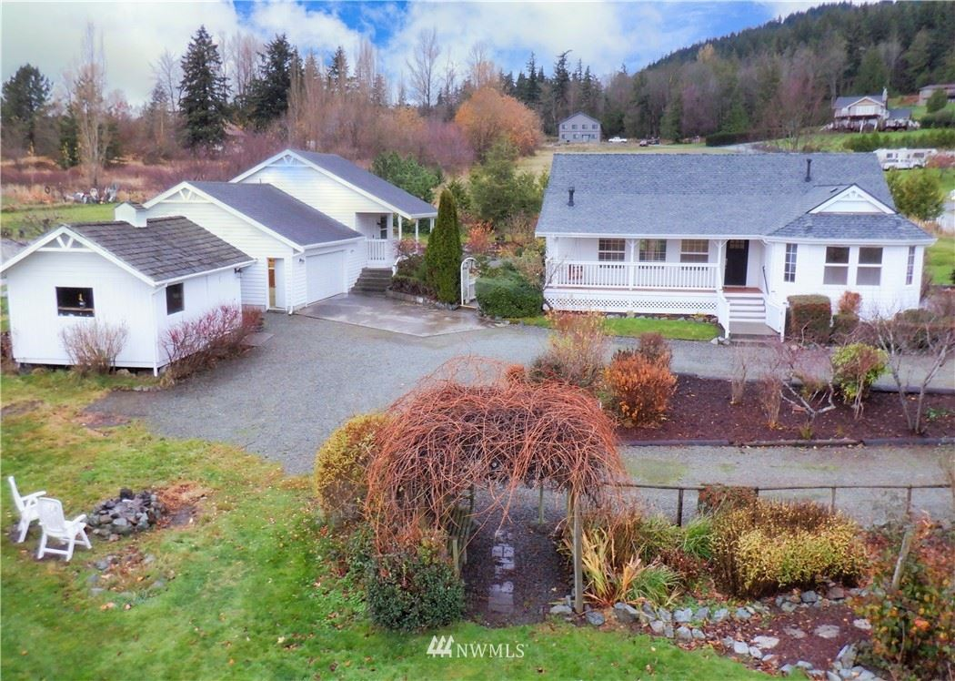 Photo of 17944 Valley Ridge Lane, Mount Vernon, WA 98274 (MLS # 1690565)