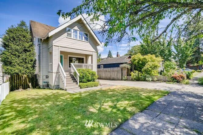 Photo of 3420 40th Avenue SW, Seattle, WA 98116 (MLS # 1788568)