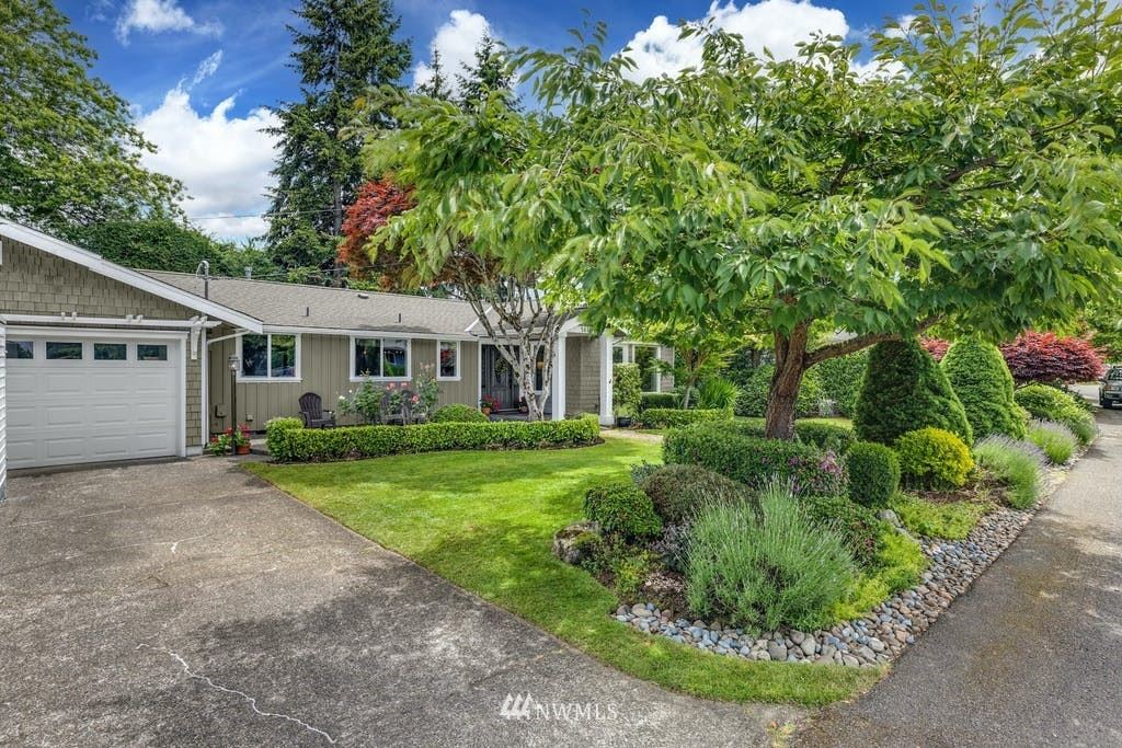 Photo of 5614 116th Place SE, Bellevue, WA 98006 (MLS # 1790568)