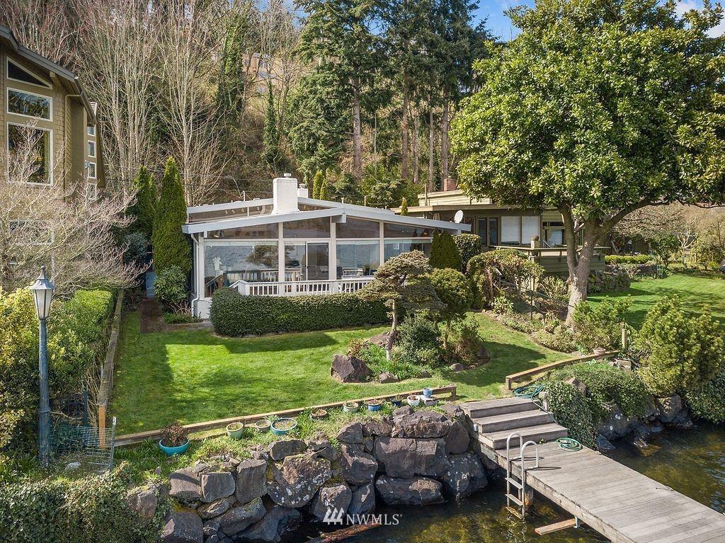 Photo of 13242 Riviera Place NE, Seattle, WA 98125 (MLS # 1746569)