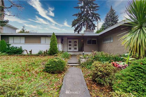 Photo of 3812 E Crockett Street, Seattle, WA 98112 (MLS # 1693570)