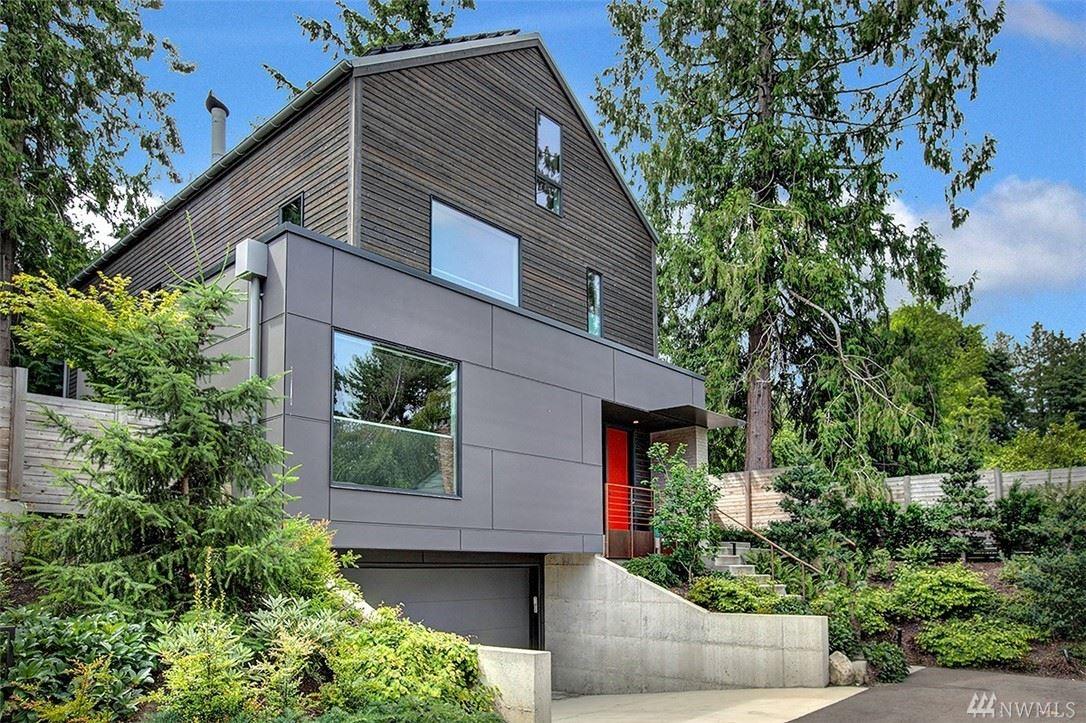 Photo of 6027 53rd Avenue NE, Seattle, WA 98115 (MLS # 1616570)