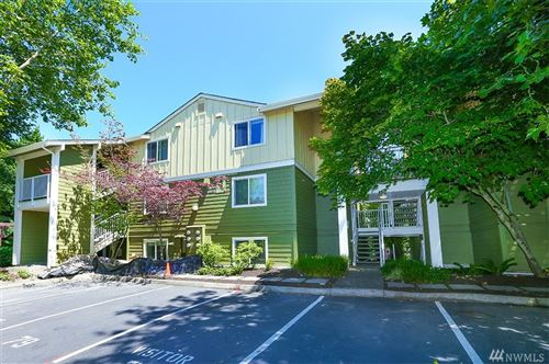 Photo of 300 N 130th St #1303, Seattle, WA 98133 (MLS # 1623575)