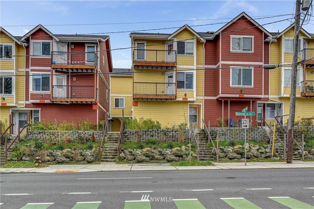 Photo of 5726 Roosevelt Way NE, Seattle, WA 98105 (MLS # 1776575)