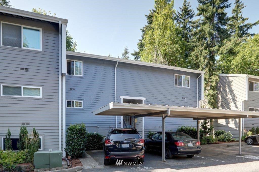 Photo of 3049 127th Pl SE #F-11, Bellevue, WA 98005 (MLS # 1817577)